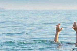 Ba nữ du khách chết đuối khi tắm biển