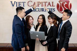 Chứng khoán Bản Việt (VCI) nhận 2 giải thưởng quan trọng từ Alpha Southeast Asia