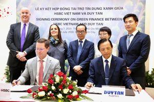 HSBC tài trợ 60 triệu USD tín dụng xanh cho Sản xuất Nhựa Duy Tân
