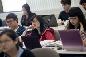 1 triệu sinh viên có thể bị trục xuất khỏi Mỹ: Trả 1,4 tỷ chỉ để học online từ quê nhà?