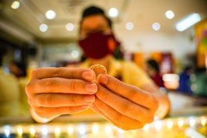 Giá vàng lại lập đỉnh mới
