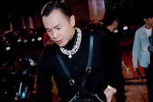 Rapper Binz diện nhiều đồ hiệu đắt đỏ, đeo đồng hồ 17.000 USD