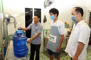 Siết chặt quản lý thị trường nước uống đóng chai