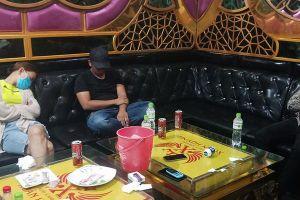 Đột kích quán karaoke ở miền Tây, 40 nam nữ phê ma túy
