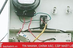 Điện lực Hà Tĩnh phát hiện 55 vụ 'ăn cắp' điện, truy thu 98.806 kWh, tương đương hơn 314 triệu đồng