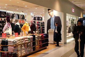 Lợi nhuận của tập đoàn sở hữu thương hiệu Uniqlo giảm mạnh