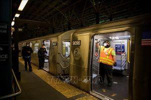 Hệ thống tàu điện ngầm New York đối mặt nguy cơ giảm một nửa công suất