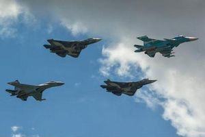 Su-57 làm 'tai mắt' cho Su-35 khi chiến đấu