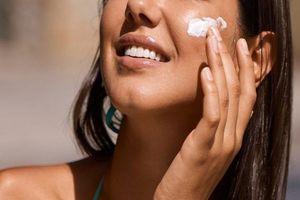 4 sai lầm thường gặp nhất khiến việc bôi kem chống nắng 'có như không'