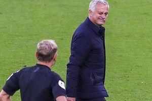 Mourinho phản ứng bất ngờ sau án phạt nặng của Eric Dier