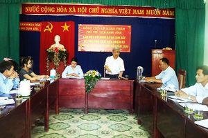 Ông Lê Xuân Thân làm việc tại xã Ba Cụm Bắc