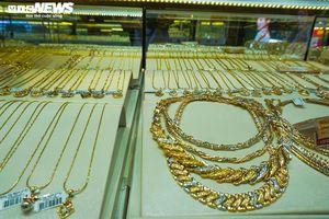 Giá vàng SJC tăng vọt, tiệm cận mốc 51 triệu đồng/lượng