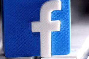Facebook khóa tài khoản có liên hệ với các nhóm cực đoan