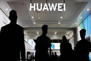 Mỹ sẽ cấm dùng dịch vụ của công ty làm ăn với Huawei, ZTE