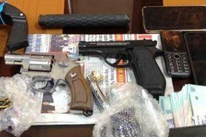 Khởi tố 3 người rao bán súng đạn trên mạng