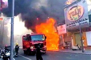 Cháy lớn shop thời trang ở trung tâm TP Huế