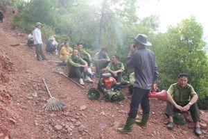 Nghệ An: Đám cháy rừng ở xã Diễn Lộc lan sang xã Diễn Phú