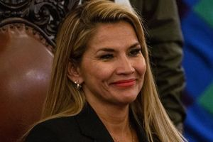 Quyền Tổng thống Bolivia Janine Agnes nhiễm COVID-19