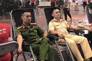 Thêm 115 đơn vị máu được hiến tặng trong chương trình 'Hành trình đỏ'