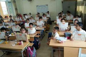 1 học sinh không được giấy khen và 1204 học bạ đẹp như mơ thi vào trường THPT chuyên Ams