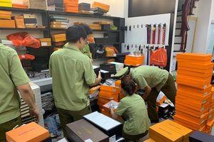 Phát hiện 33.488 sản phẩm thời trang giả mạo nhãn và không rõ nguồn gốc xuất xứ tại khu dốc Baza Bắc Ninh