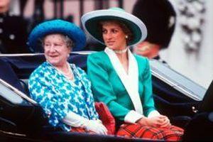 Mối quan hệ căng thẳng giữa Nữ hoàng Elizabeth II và cố Công nương Diana