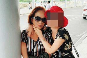 Bị bạn thân 'bóc phốt' lừa dối khán giả, cô dâu 65 tuổi tố ngược bạn muốn 'cướp' chồng