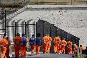 California sắp phóng thích 8.000 tù nhân ngăn virus corona lây lan