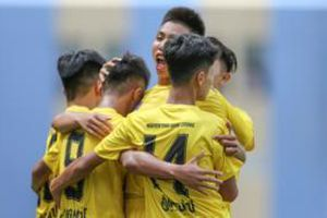 Học viện NutiFood trình làng lứa cầu thủ tài hoa, đại thắng 6-0 ở U17 Quốc gia