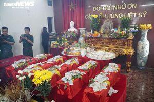 Nước mắt người thân, đồng đội trong lễ an táng hài cốt liệt sĩ tại Vị Xuyên