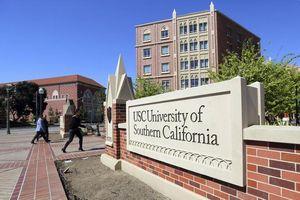 Phụ huynh Mỹ nhận tội chi 250.000 USD mua suất vào đại học cho con