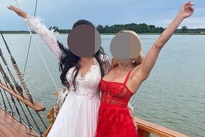Bị ném đá vì mặc váy sexy, nổi hơn cô dâu trong đám cưới