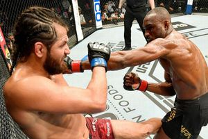 Kamaru Usman bảo vệ thành công đai vô địch trước Masvidal