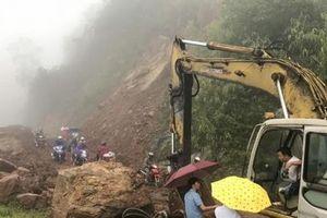Nước lũ cuốn trôi nhà, sạt lở nhiều tuyến đường ở Lai Châu