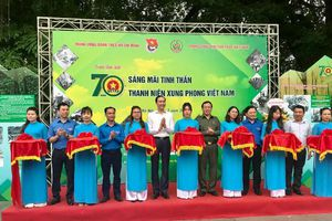 Nhiều hoạt động tôn vinh lực lượng Thanh niên xung phong anh hùng