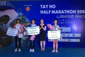 Nguyễn Thị Oanh không có đối thủ ở nội dung 15km
