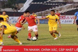 Hồng Lĩnh Hà Tĩnh bị chia điểm đầy tiếc nuối trong trận derby xứ Nghệ