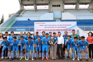 Giải bóng đá gây quỹ từ thiện xây nhà tình thương