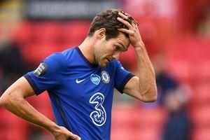 Chelsea đã tự tay mở toang cánh cửa vào top 4 cho MU như thế nào?