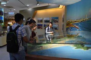 Trưng bày hơn 200 tư liệu quý về đô thị biển Đà Nẵng