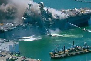 Khám phá sức mạnh tàu đổ bộ siêu lớn của Mỹ vừa bị 'thiêu rụi' trong vụ hỏa hoạn