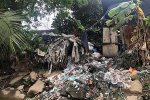 Xưởng tái chế rác trái phép gây ô nhiễm kéo dài