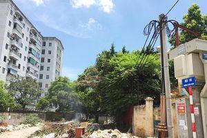 Tại phường Cổ Nhuế 1, quận Bắc Từ Liêm: Vô tư đốt rác sát trạm biến áp