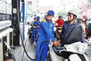 Trích Quỹ Bình ổn mức cao, giữ nguyên giá bán xăng, dầu