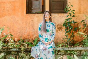 Cao Thùy Dương biến hóa với áo dài ở Đà Lạt