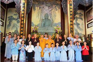 Chùa Trúc Lâm cúng dường trường hạ tại Huế
