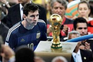 Ngày này năm xưa: Messi 'cay đắng' bước qua Cúp vàng World Cup