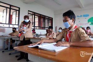 Indonesia mở cửa các trường học trong 'vùng xanh an toàn' với Covid-19