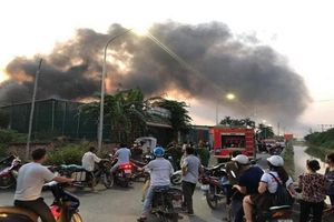 Cháy lớn tại xưởng sản xuất ở Hà Nội