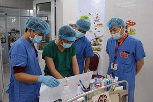 Sáng tạo, đột phá trong đào tạo nguồn nhân lực và cứu chữa, chăm sóc bệnh nhân